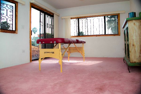 ibogaine-treatment-mexico-massage