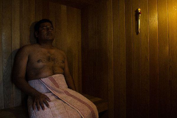 ibogaine-treatment-mexico-patient-sauna